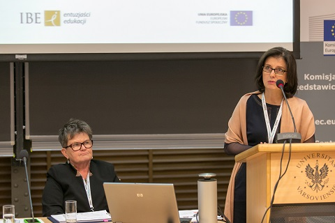 Madgalena Szpotowicz, PhD,  from IBE (on the right) during the Conference in Warsaw.